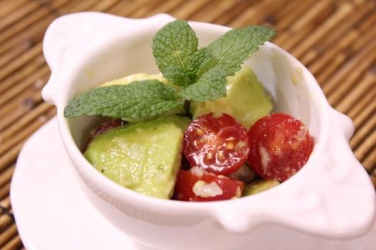 salada-de-tomate-e-abacate-3